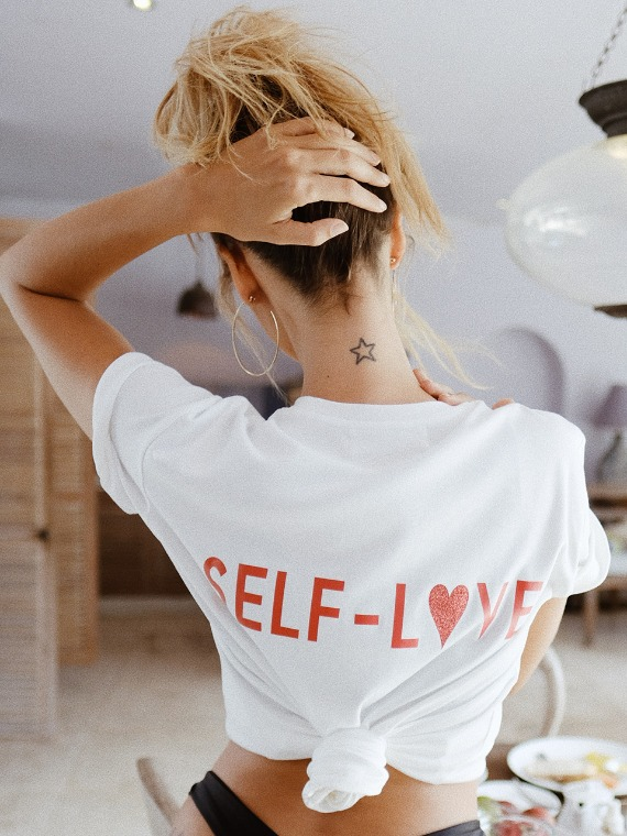 즉시배송[SELF-LOVE] LOGO T SHIRT